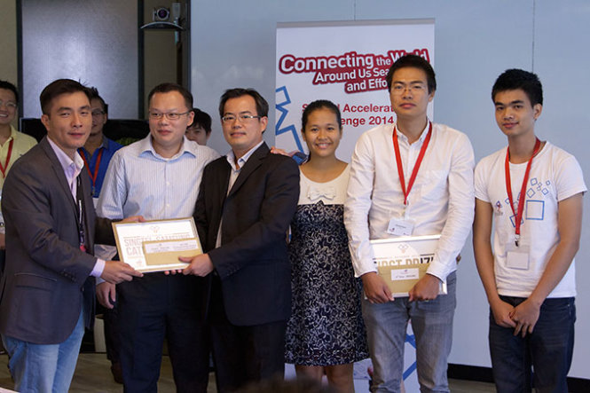 Vietnamese engineer and team win Singapore prize for trip planning app