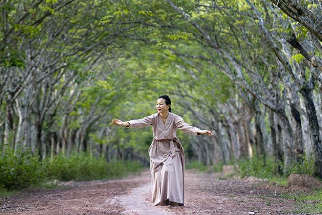S.Korean choreographer celebrates endless love for dance in Vietnam show