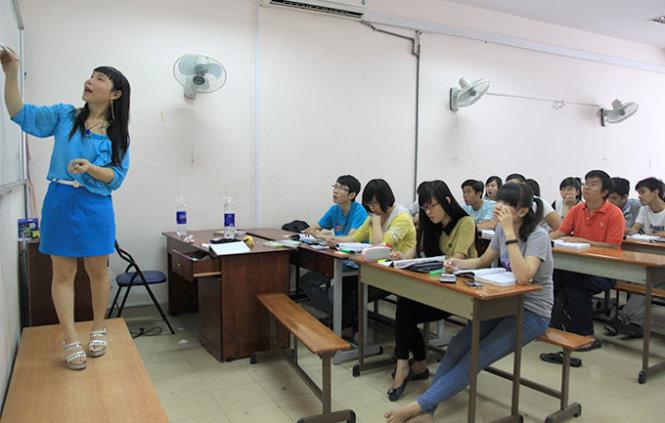 Vietnam transgender teacher dreams of husband, kid