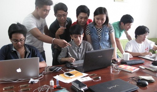 Vietnam youths quit university to launch food location website