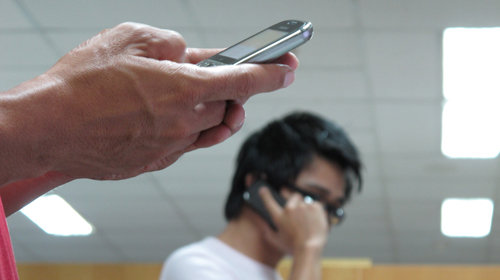 In Vietnam, gov't hotlines aren't always available 24 hours as they should be