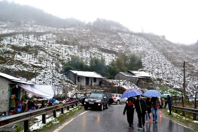 Tropical snowfall causes congestion in Sa Pa (photos)