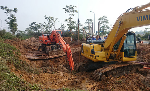 Hanoi water pipeline breaks and leaks 10 times within 35 months