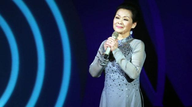 Khanh Ly postpones show in Vietnam, again, over husband's death