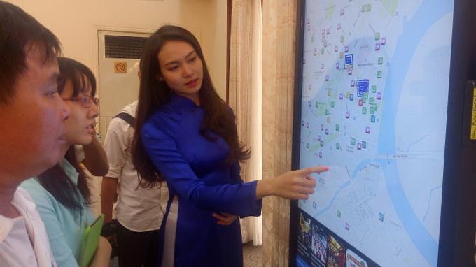 Ho Chi Minh City pilots smart information stations to help tourists