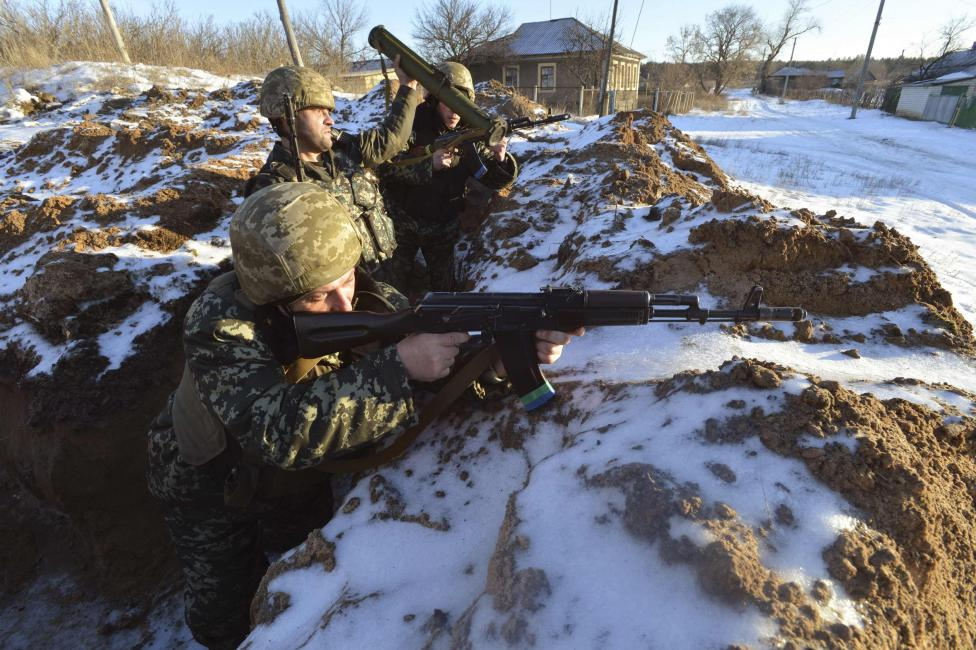 Embassy evacuates Vietnamese from dangerous areas in Ukraine