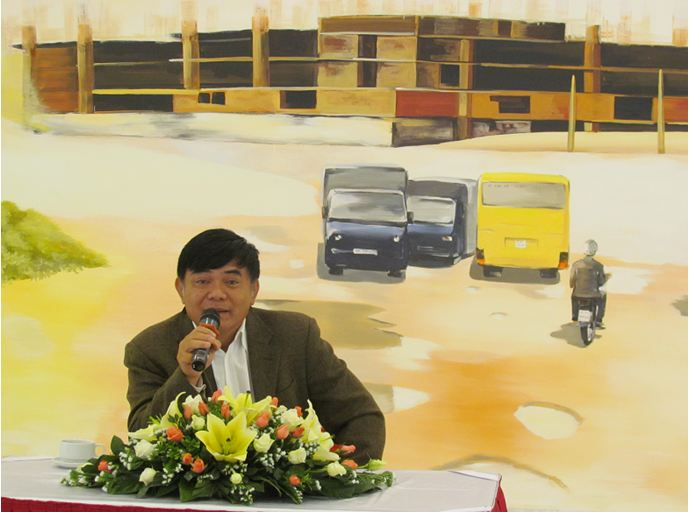 Vietnam shopping mall leases booths at zero fee for 50 years