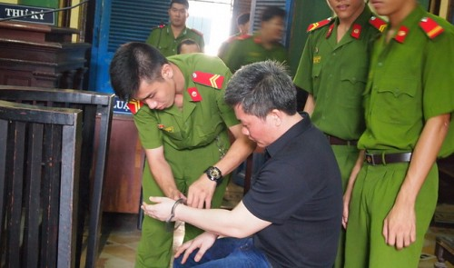Death penalty scrapped for Vietnamese American who hid drugs in underwear