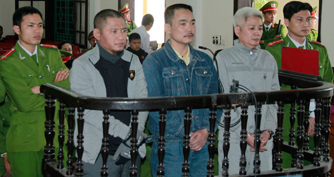 Vietnam sentences two to death for trading 38 kg heroin