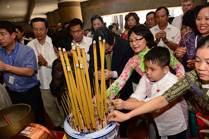 Overseas Vietnamese wish to contribute to fatherland's development
