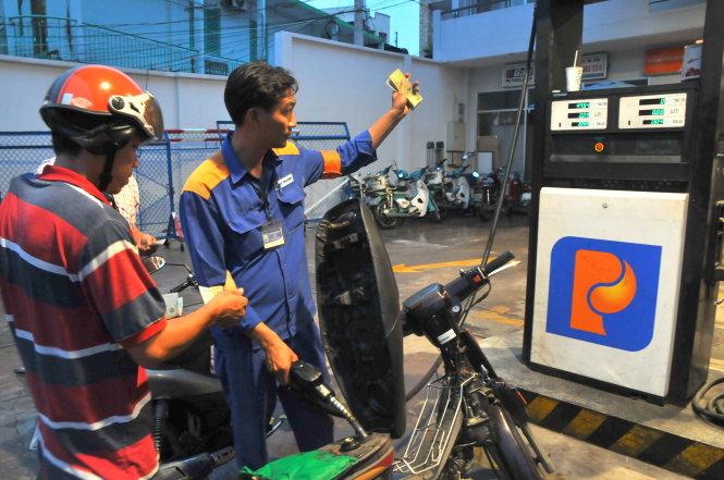 Vietnam Petrolimex valued at about $2.8 bln on market debut