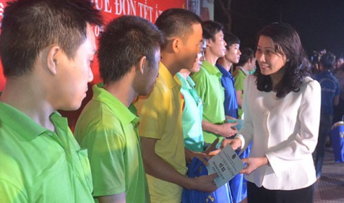 Vietnam workers fret over overdue pays ahead of Tet