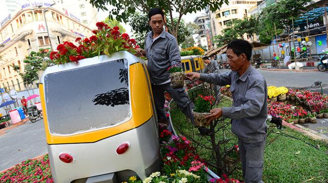 Ho Chi Minh City uses 120k flower pots for Tet Flower Street
