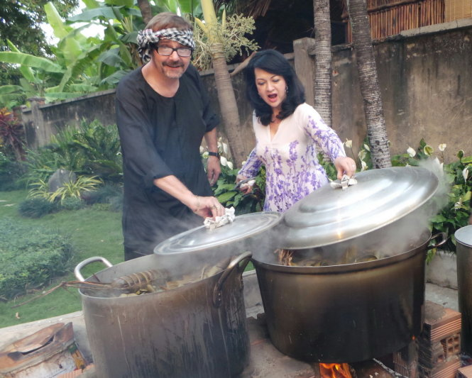 Overseas Vietnamese celebrate Tet at home (photos)
