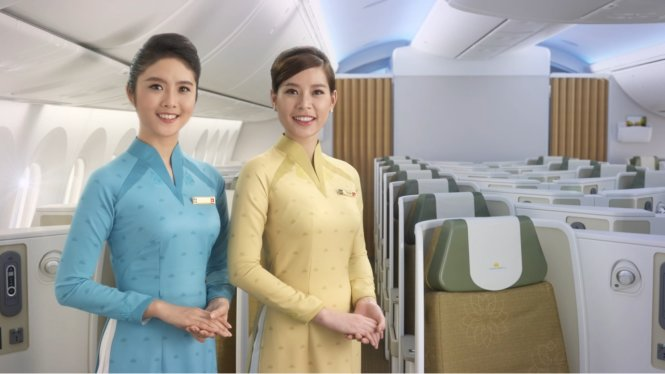 Vietnam Airlines introduces new crew uniforms