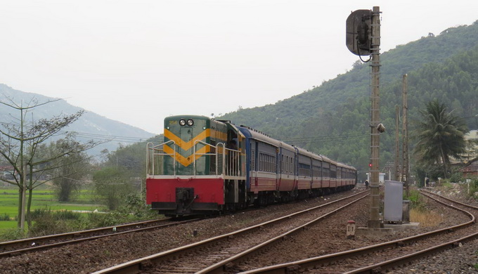 China firm wants to build railway in Vietnam's Mekong Delta hub