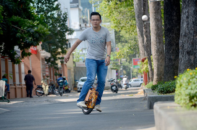 Vietnamese urban dwellers now infatuated with electric solowheels