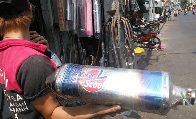 Startling noise from modified motorbike tailpipes puts Saigon drivers at risk of accidents