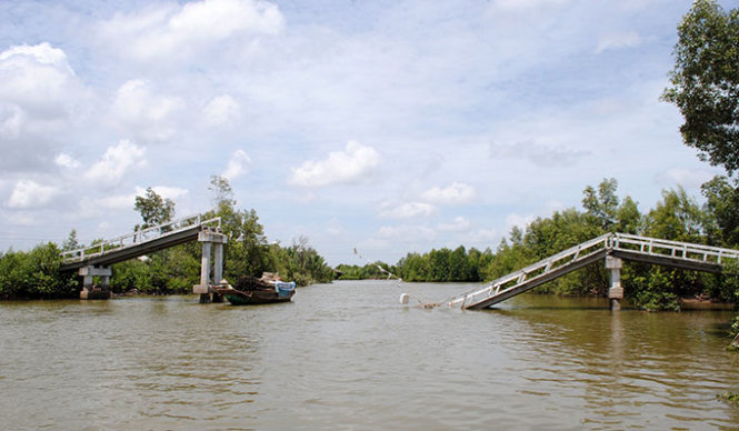 Poorly built bridges at risk of collapse in southern Vietnam