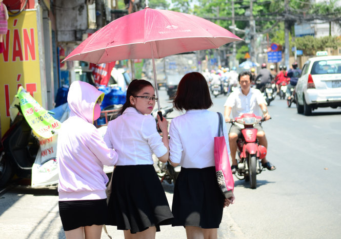 Hot weather to last till mid-April in southern Vietnam