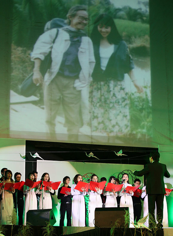 Vietnam holds concerts in tribute to salient composer Trinh Cong Son