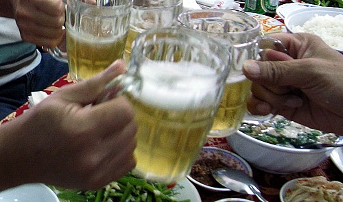 Vietnam official gets downgraded for striking another with beer glass after drinking