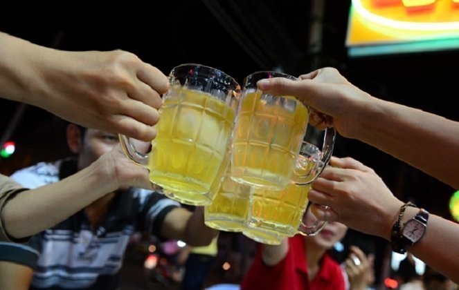 Vietnamese down 3.8 billion liters of beer in 2016