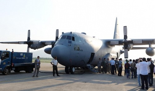 US air force showcases C-130 Hercules in central Vietnam