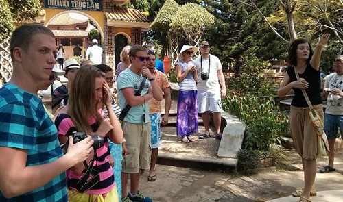 Vietnam tourism downfall in foreign eyes