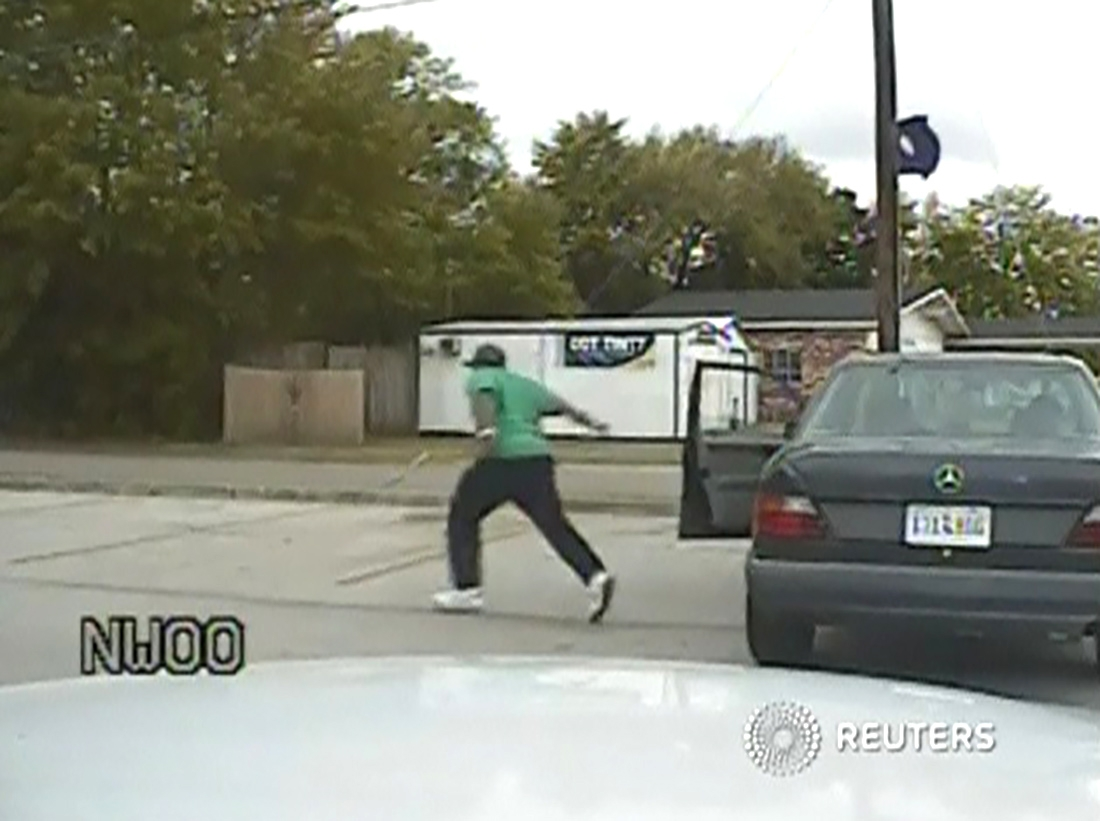 New video shows S.Carolina man fleeing traffic stop before shooting