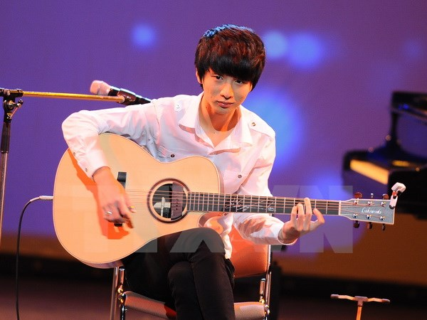 19-year-old Korean guitar prodigy to perform in Vietnam next week