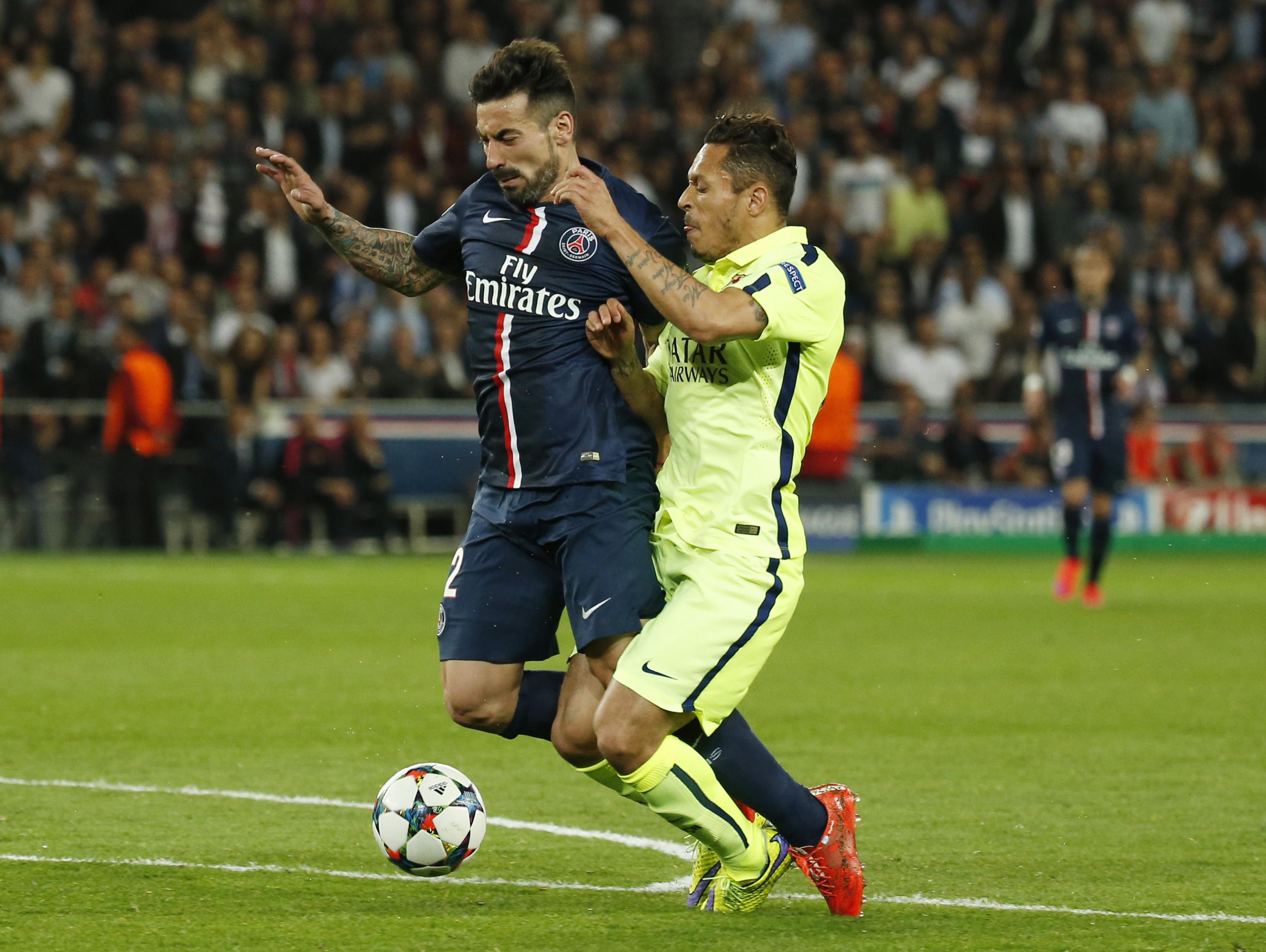 Neymar, Suarez snap PSG's unbeaten streak as Barcashine