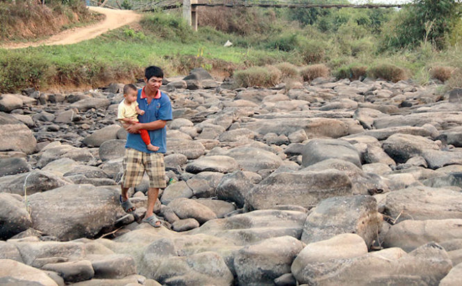 Vietnam premier OK's $3mn aid to central province to repair drought-caused damage