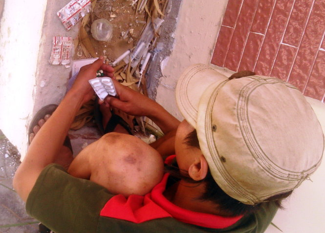 Junkies in southern Vietnam turn addictive medicine into their drugs