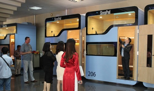 Provider slashes charges for Vietnam's first-ever airport sleep pod service