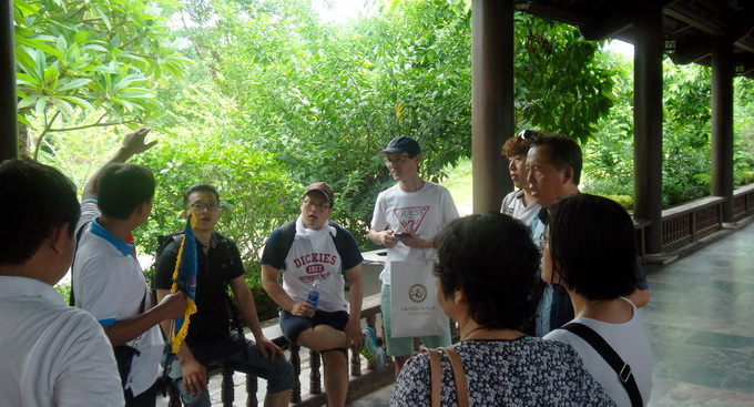 Vietnamese tour guides are not that bad, tourists say