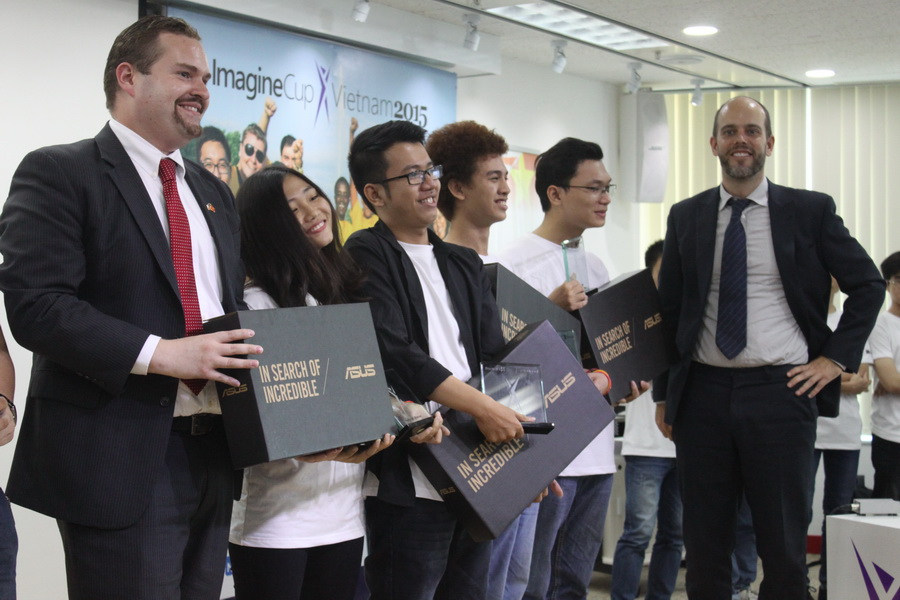 Microsoft, USAID announce winners of technology contest in Vietnam