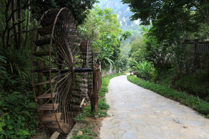 Visiting a museum-ecotourism site in northern Vietnam
