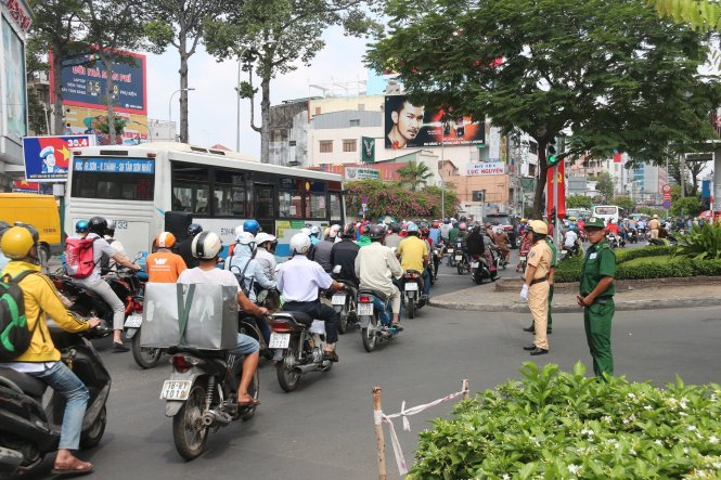 Plan to block streets in downtown Saigon abruptly delayed to April 24