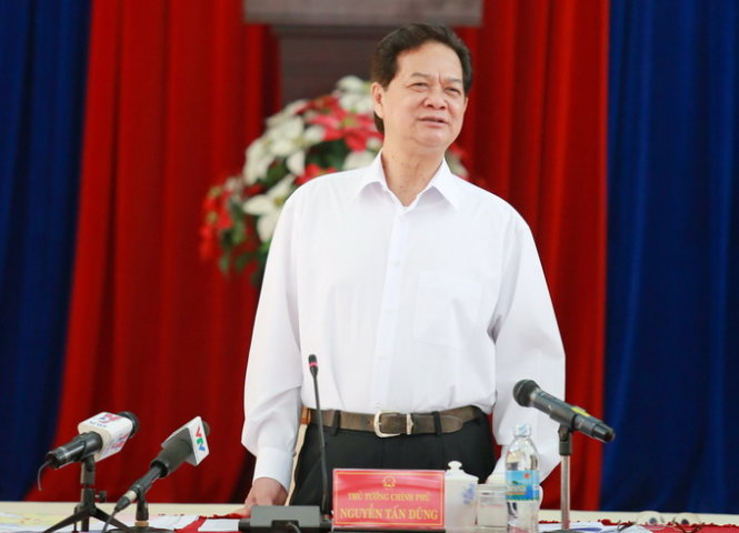 Vietnam premier angered by year-long rigmarole of selecting investors