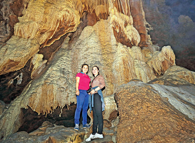 New grotto on Vietnam's UNESCO-recognized karst plateau a promising tourist attraction