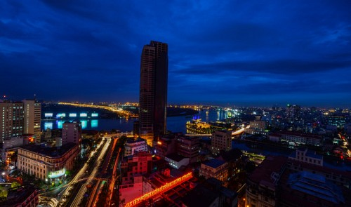 Incredible drone footage shows Saigon's changing face, 40 years on
