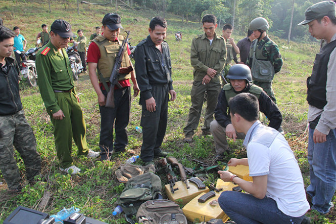 Vietnam police exchange fire with cross-border drug traffickers, killing one
