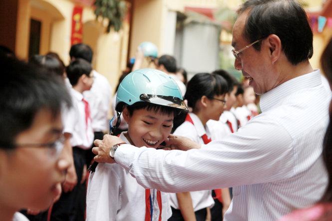 Traffic accidents kill 2,000 children in Vietnam every year: official