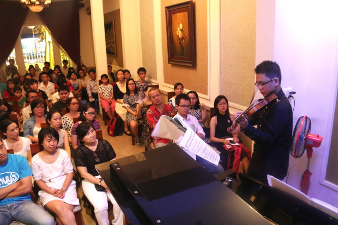 Vietnam teenagers seek to popularize classical music