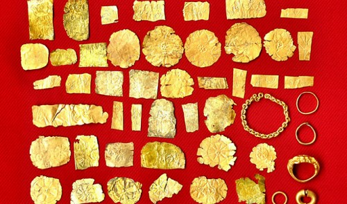 Antique treasure excavated in southern Vietnam