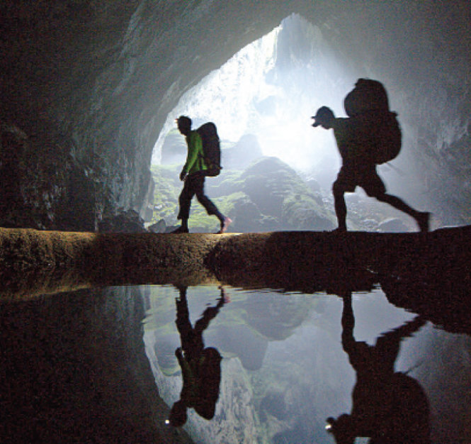 Porters contribute to success of ABC show on Vietnam's Son Doong Cave