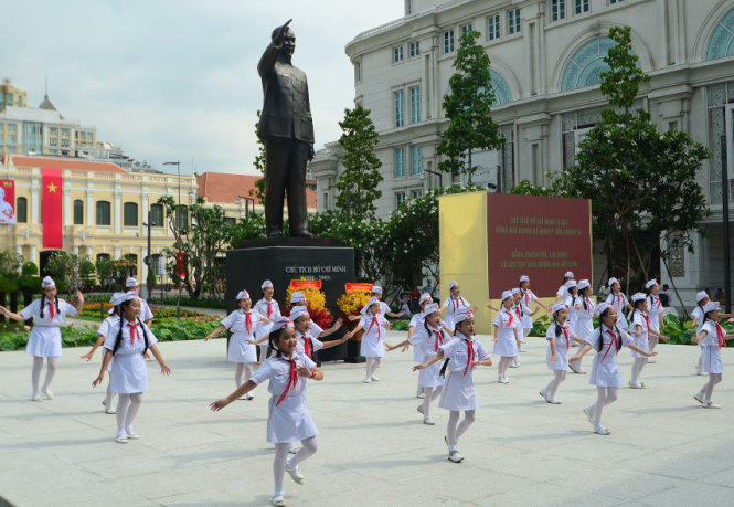 Vietnam inaugurates statue of late President Ho Chi Minh to celebrate his 125th birthday