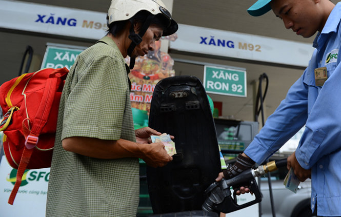 Environmental tax causes fuel prices to soar in Vietnam