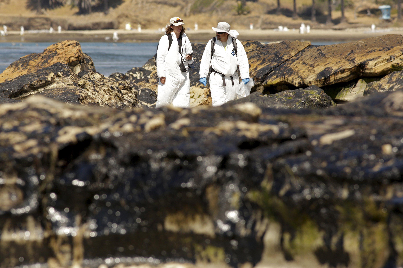 Prosecutors probe possible criminal case in California oil spill